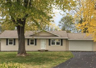 Pre Foreclosure in Columbus 47201 WOODLANE DR - Property ID: 1646463995