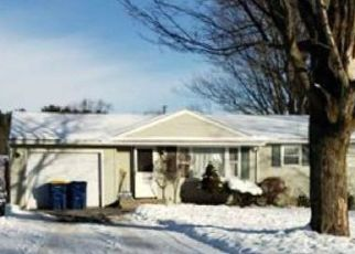 Pre Foreclosure in Camillus 13031 BROADMOOR DR - Property ID: 1646494193