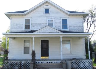 Pre Foreclosure in Forreston 61030 S 2ND AVE - Property ID: 1646554646