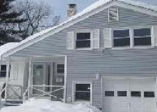 Pre Foreclosure in Windsor 06095 GRANDE AVE - Property ID: 1646594947