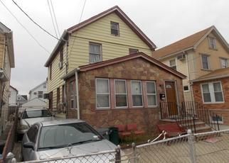 Pre Foreclosure in Hollis 11423 187TH PL - Property ID: 1647199787