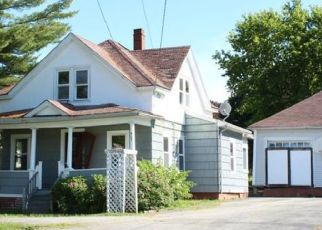 Pre Foreclosure in Lewiston 04240 MONTELLO ST - Property ID: 1647264598
