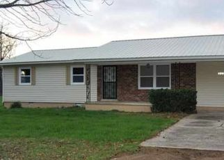 Pre Foreclosure in Sharon 38255 SHARON RD - Property ID: 1647327218