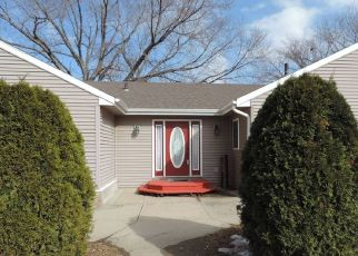 Pre Foreclosure in Yankton 57078 E 15TH ST - Property ID: 1647341684
