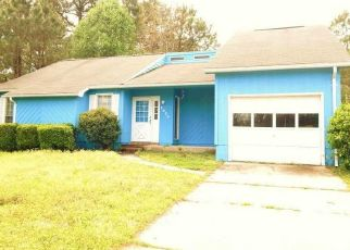 Pre Foreclosure in Midway Park 28544 HUNTERS RIDGE DR - Property ID: 1647368392