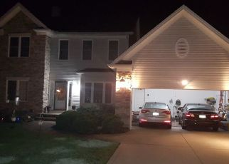 Pre Foreclosure in Solon 44139 WITCH HAZEL LN - Property ID: 1647498925