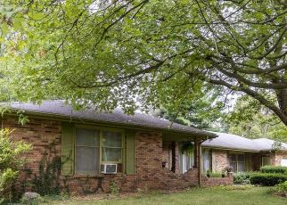 Pre Foreclosure in South Bend 46635 HELVIE DR - Property ID: 1648251349