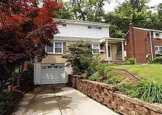 Pre Foreclosure in Pittsburgh 15235 RICHLAND DR - Property ID: 1648260552