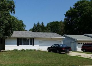 Pre Foreclosure in Green Bay 54301 DAUPHIN ST - Property ID: 1648340255