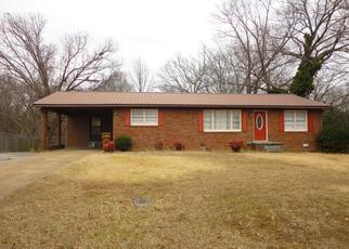 Pre Foreclosure in Lexington 38351 AIRWAYS DR - Property ID: 1648444945