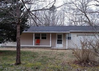 Pre Foreclosure in Jamestown 38556 BILLY RIDGE RD - Property ID: 1648445820