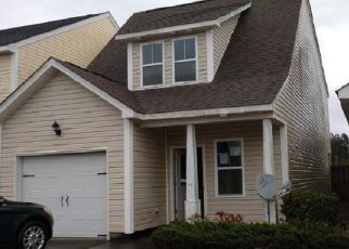 Pre Foreclosure in Rocky Point 28457 THORNBURY DR - Property ID: 1648455902