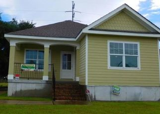 Pre Foreclosure in New Orleans 70126 MITHRA ST - Property ID: 1648603484