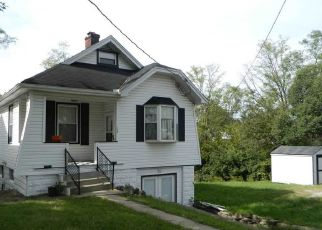 Pre Foreclosure in Newport 41076 CRESTWOOD AVE - Property ID: 1648793116