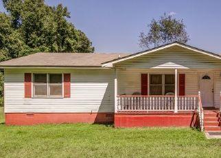 Pre Foreclosure in Senoia 30276 DOLLY NIXON RD - Property ID: 1648848757
