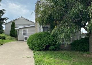 Pre Foreclosure in Wilkes Barre 18705 HELEN ST - Property ID: 1649423369