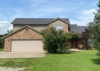 Pre Foreclosure in Shawnee 74801 MELISSA - Property ID: 1649534620