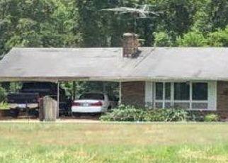 Pre Foreclosure in Yadkinville 27055 PALOMINO RD - Property ID: 1649572275