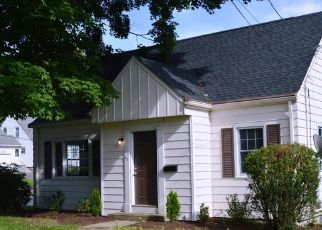 Pre Foreclosure in Bristol 06010 HENDERSON ST - Property ID: 1649603375