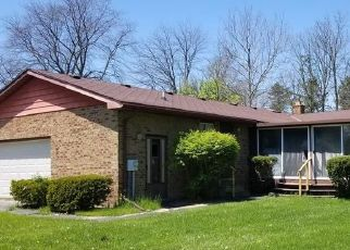 Pre Foreclosure in Flint 48532 DYE KREST CIR - Property ID: 1649656822