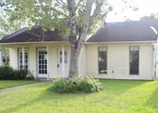 Pre Foreclosure in Lafayette 70506 APPALOOSA ST - Property ID: 1649690984