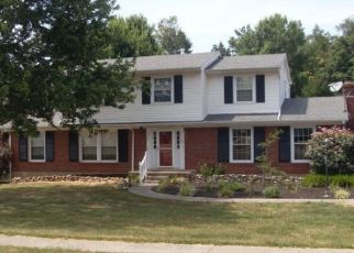 Pre Foreclosure in Radcliff 40160 FAIRVIEW CIR - Property ID: 1649697546