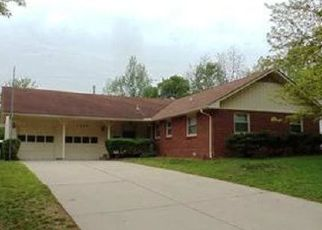 Pre Foreclosure in Topeka 66611 SW KNOLLWOOD DR - Property ID: 1649704105
