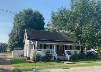 Pre Foreclosure in Pinckneyville 62274 BELLE AVE - Property ID: 1649760165