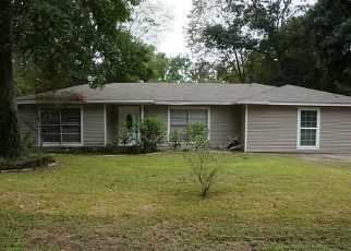 Pre Foreclosure in Huffman 77336 BECKMAN DR - Property ID: 1650027331
