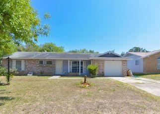 Pre Foreclosure in San Antonio 78227 ROLLING HLS - Property ID: 1650048357