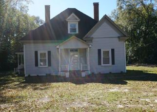 Pre Foreclosure in Raeford 28376 W 5TH AVE - Property ID: 1650126765