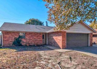 Pre Foreclosure in Ponca City 74601 E WOODBURY RD - Property ID: 1650445157