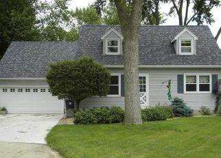 Pre Foreclosure in Cedar Falls 50613 ROYAL DR - Property ID: 1651089421