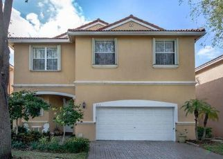 Pre Foreclosure in Hollywood 33019 OYSTERWOOD ST - Property ID: 1651359209