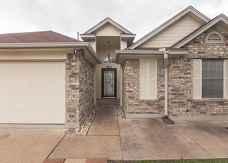 Pre Foreclosure in Hutto 78634 CLARKS WAY - Property ID: 1651636451