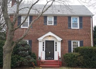 Pre Foreclosure in Floral Park 11001 BEECH ST - Property ID: 1651858504