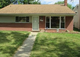 Pre Foreclosure in Clinton Township 48035 HILLSIDE DR - Property ID: 1651898354