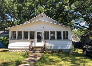 Pre Foreclosure in Muskegon 49444 HOWDEN ST - Property ID: 1651902297