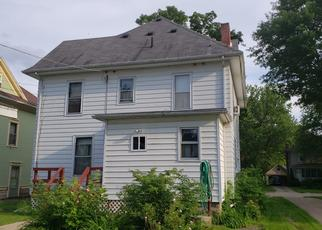 Pre Foreclosure in Sterling 61081 W 10TH ST - Property ID: 1651973249