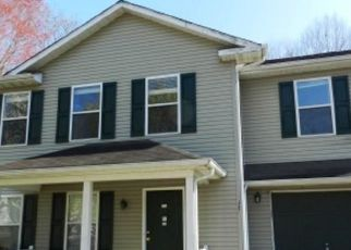 Pre Foreclosure in Williamsburg 23185 OLD HOLLOW RD - Property ID: 1652185676