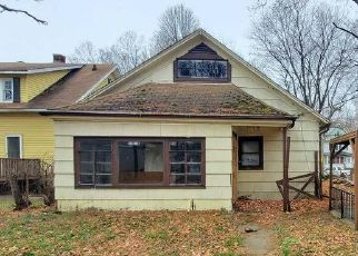 Pre Foreclosure in Peoria 61606 N SHERIDAN RD - Property ID: 1652540877