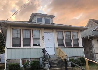 Pre Foreclosure in Gloucester City 08030 SOMERSET ST - Property ID: 1652735326