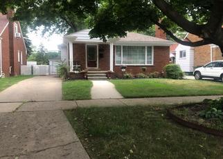 Pre Foreclosure in Allen Park 48101 ROBINSON AVE - Property ID: 1653538577