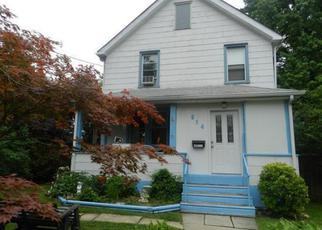 Pre Foreclosure in Darby 19023 CHESTNUT ST - Property ID: 1653917419