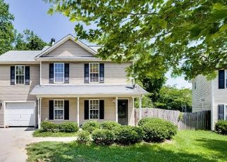 Pre Foreclosure in Greensboro 27401 MAURY LN - Property ID: 1654045308