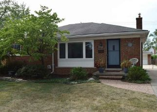 Pre Foreclosure in Saint Clair Shores 48081 YALE ST - Property ID: 1654213946