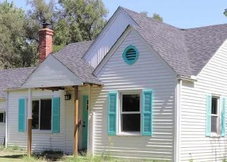 Pre Foreclosure in Hutchinson 67502 N WALNUT ST - Property ID: 1654381680