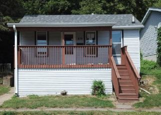 Pre Foreclosure in Dubuque 52001 HIGH BLUFF ST - Property ID: 1654396120