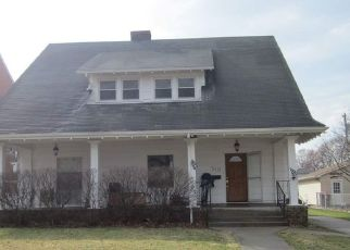 Pre Foreclosure in Mason City 62664 N TONICA ST - Property ID: 1654463579