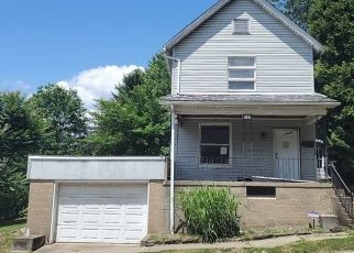 Pre Foreclosure in Butler 16001 COLLEGE ST - Property ID: 1655031634